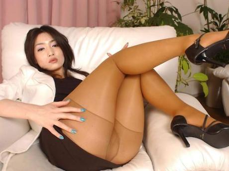 порно фото в колготках азиатки